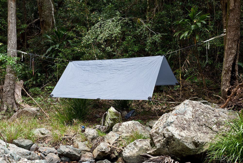 Best Camping Shelter : Tarp shelter vs a tent for backpacking and camping